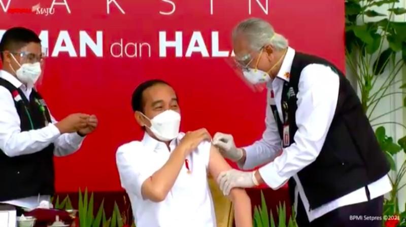 Jokowi Disuntik Vaksin Covid-19