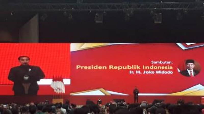 Jokowi Geram Beli Cangkul Masih Impor