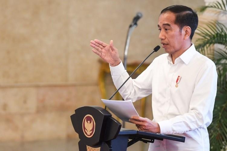 Jokowi Instruksikan Regulasi Perlindungan Bisnis Pers Digarap