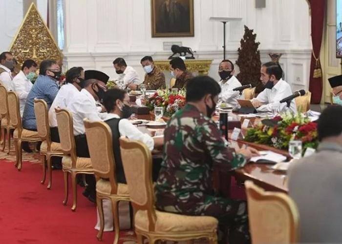 Jokowi Minta Menteri Jangan Bekerja Datar