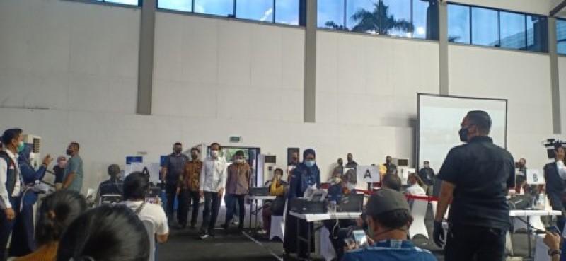 Jokowi Minta Seluruh Jurnalis Disuntik Vaksin Covid-19