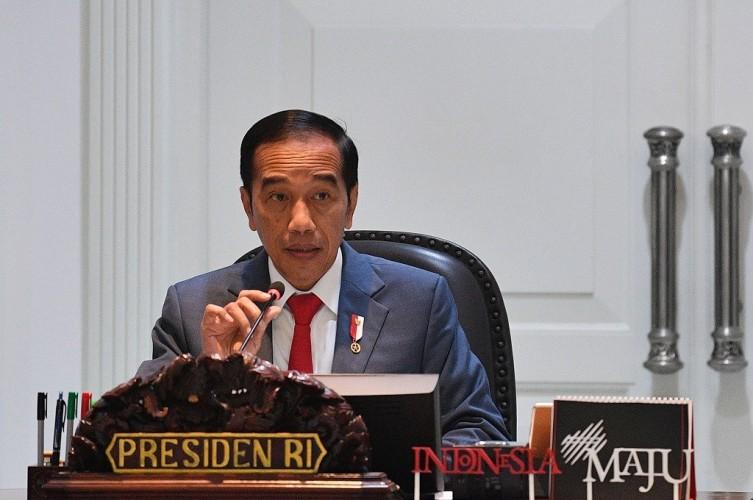 Jokowi Perintahkan Vaksinasi Tuntas Secepatnya