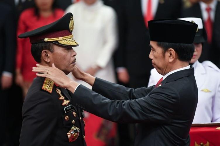 Jokowi Sebut Tantangan Polisi Semakin Berat