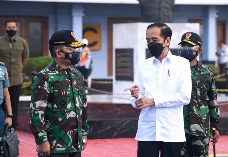 Jokowi Temui Nelayan di Lamongan