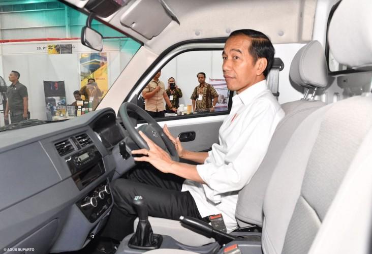Jokowi Ungkap Alasan Resmikan Pabrik Esemka