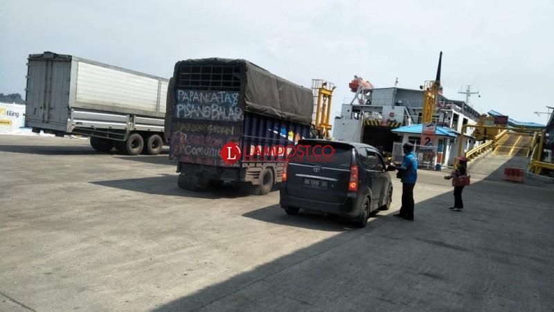 JTTS Beroperasi, Arus Penyeberangan Kendaraan Naik 2%