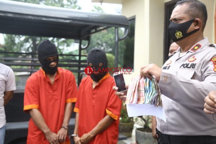 Jual Togel, Dua Nelayan Sukaraja Diciduk Polisi
