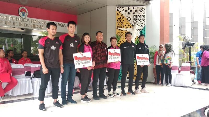 Juara Dunia Ahsan/Hendra Terima Bonus Rp240 Juta