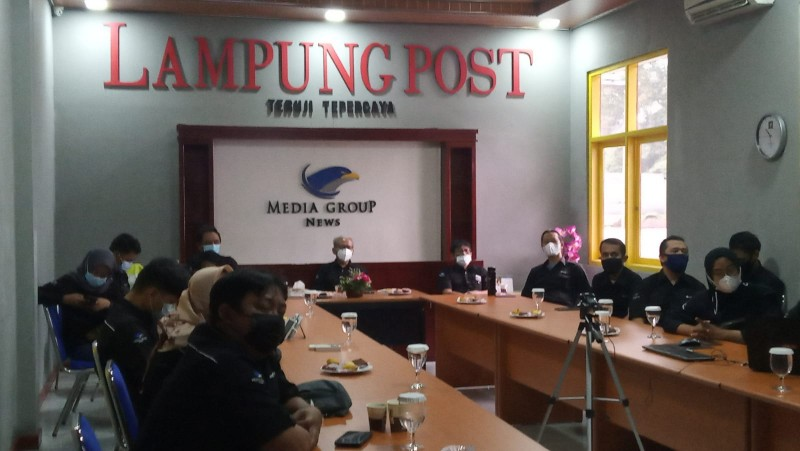 Jurnalis Lampung Post Sabet Aneka Penghargaan dari Media Group News