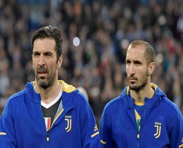 Juventus Perpanjang Kontrak Buffon dan Chiellini hingga 2021