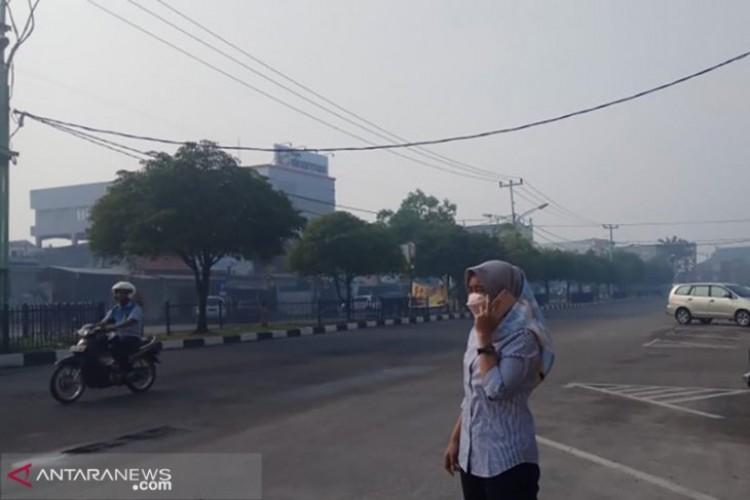 Kabut Asap Tipis Selimuti Pekanbaru dan Dumai