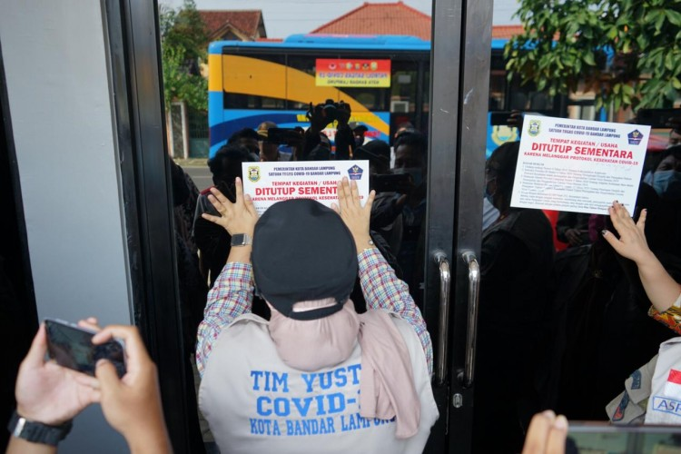 Kafe Pelanggar PPKM di Bandar Lampung Ditutup Satgas