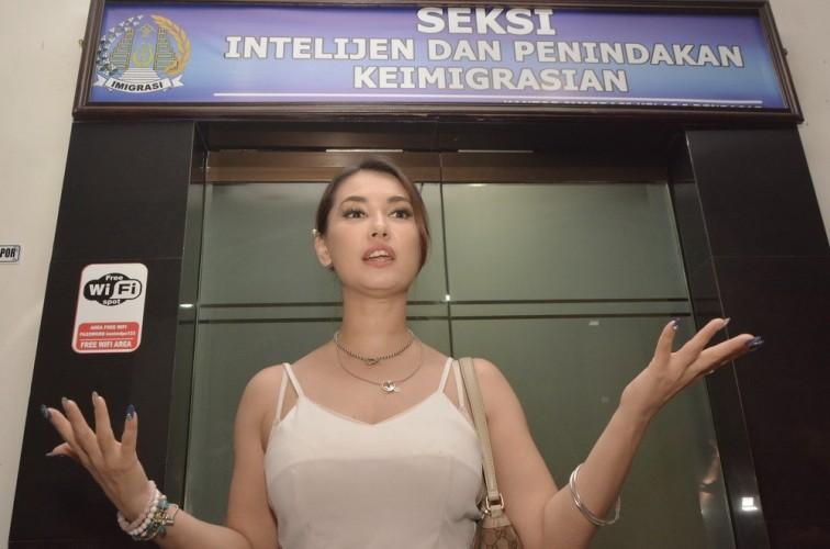 Kagumi Indonesia, Maria Ozawa Sedih Selalu Diusir Setiap Datang