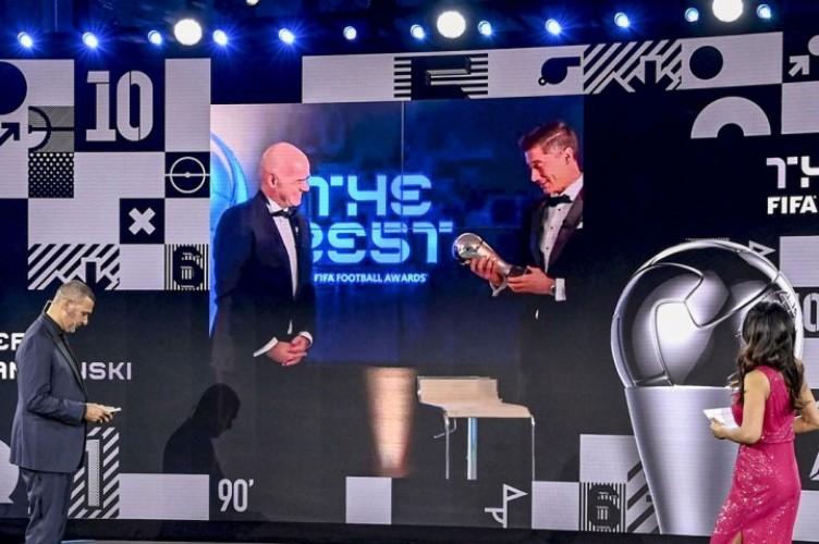 Kalahkan Messi dan Ronaldo, Lewandowski Pemain Terbaik FIFA 2020
