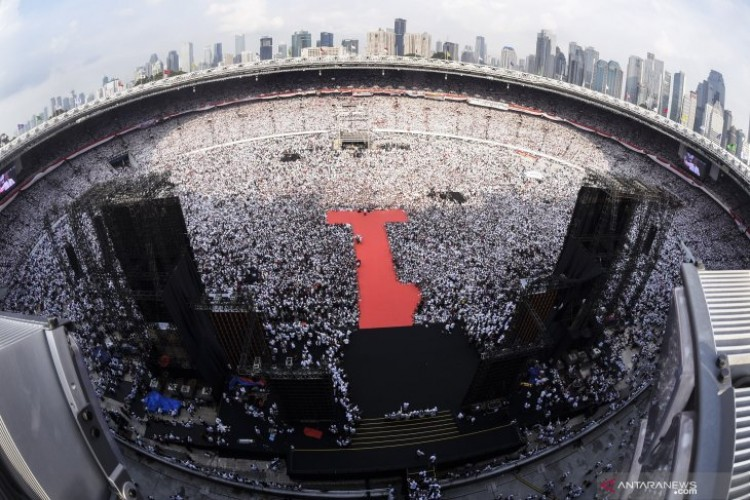 Kampanye Akbar di GBK, Capres #01 Jokowi: Ingin Memeluk Semuanya