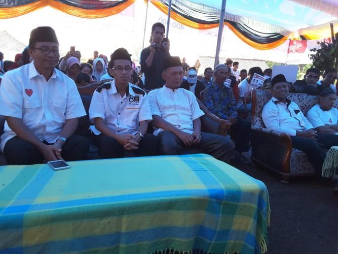 Kampanye di Tribudi Syukur Lambar, Ahmad Jajuli Disambut Sisingaan