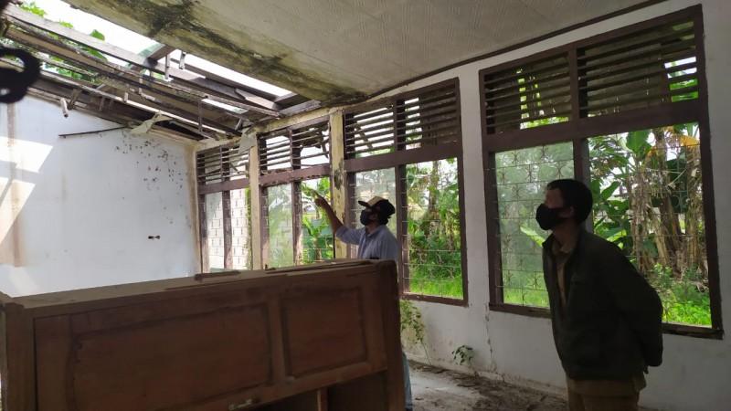 Kantor Balai Penyuluhan di Sidomulyo Nyaris Ambruk