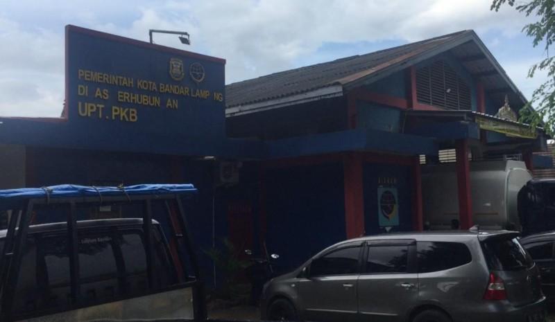 Kantor UPT Uji KIR Dishub Bandar Lampung Kekurangan Lahan Parkir