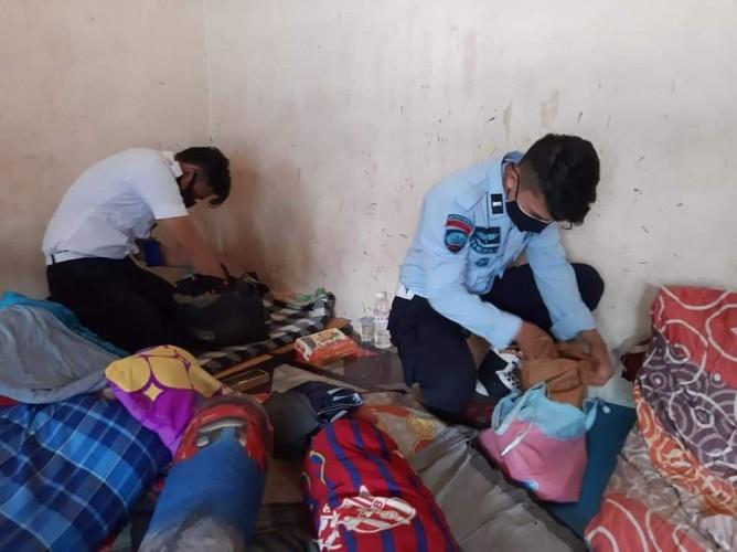 Kanwil Kemenkumham Lampung Geledah Kamar Narapidana Lapas Kotaagung