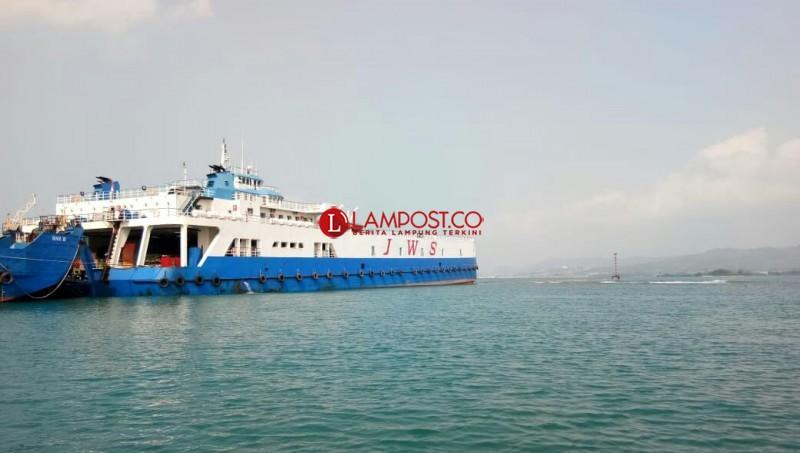 Kapal JWS Kandas di Bakauheni, Dua Hari Belum Berhasil Dievakuasi