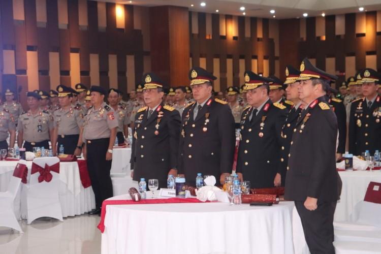 Kapolda Lampung Terima Tanda Kehormatan dari Kapolri