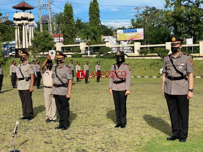 Kapolres Lampura Pimpin Sertijab Dua Perwira Polisi
