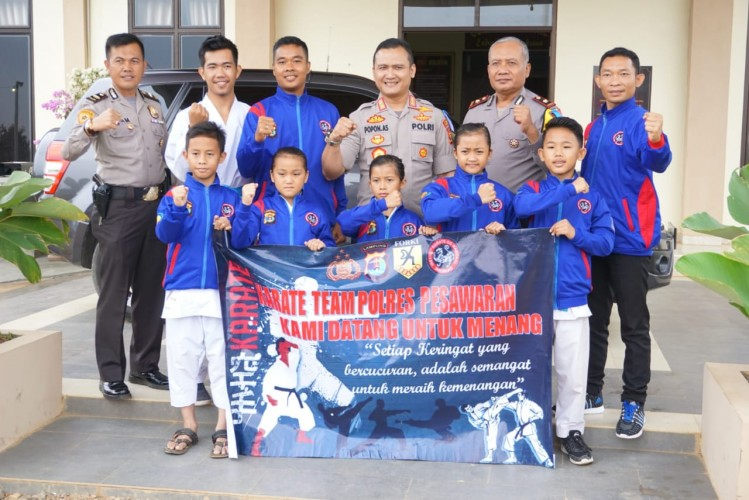 Kapolres Pesawaran Lepas Atlet Karate Inkanas ke Kejurnas UPI Cup