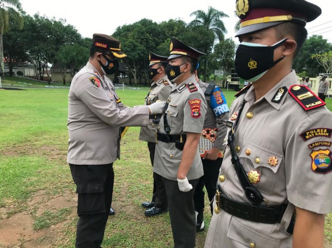 Kapolres Rombak Jabatan Kasat Narkoba dan Dua Kapolsek di Way Kanan