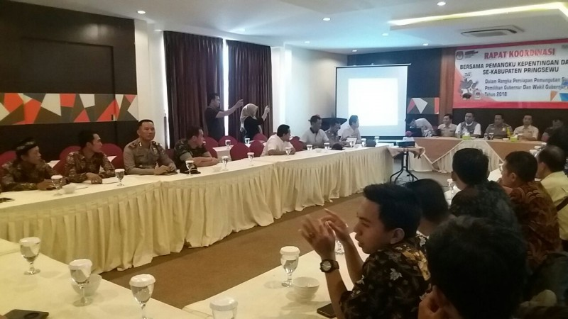 Kapolres Tanggamus Hadiri Rapat Koordinasi Kesiapan Pemungutan dan Penghitungan Suara Pilgub