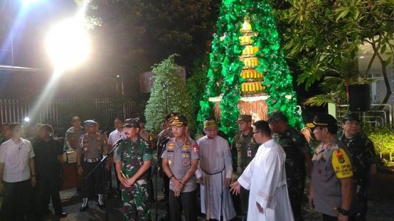 Kapolri dan Panglima TNI Jamin Perayaan Natal Aman