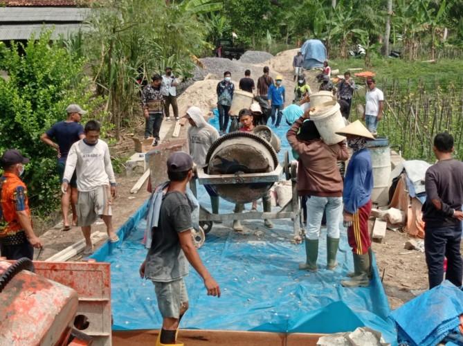 Krawangsari Natar Bangun Jalan Sepanjang 1.204 Meter dari Dana Desa