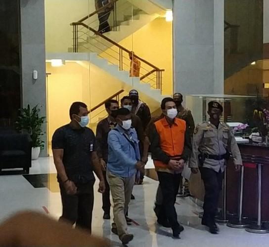 Kasus Azis Syamsuddin, PNS hingga Pegawai BUMN Diperiksa KPK