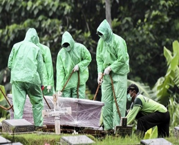 Kasus Kematian Covid-19 di Jawa Timur Tertinggi