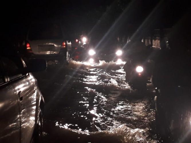Kawasan Kantor DLH Bandar Lampung Direndam Banjir