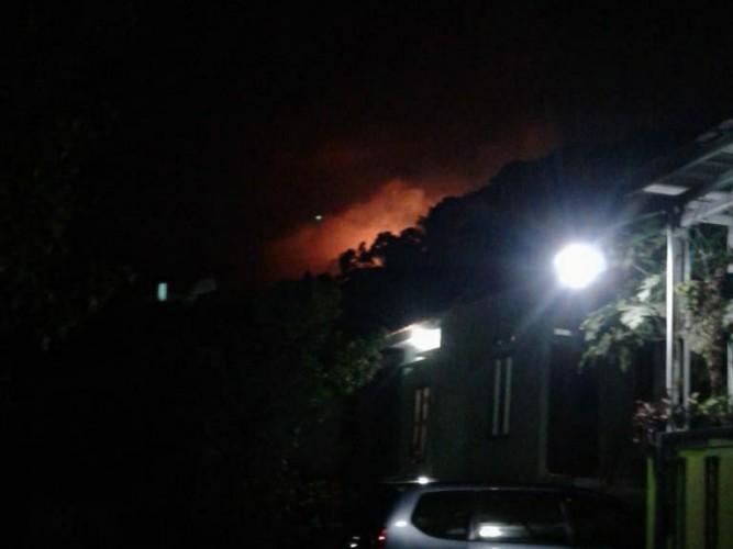 Kebakaran di Bukit Campang,Damkar Tak Bisa Jangkau