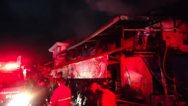 Kebakaran di Dekat Pasar Cimeng Berasal dari Kios <i>Frozen Food</i>