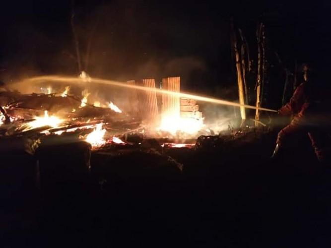 Gudang Pembuatan Arang Batok di Sukoharjo Ludes Terbakar