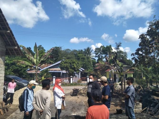 Kebakaran Hanguskan Rumah Nenek 82 Tahun di Tanjungbintang