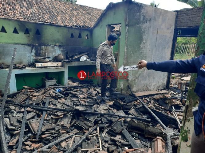 Kebakaran Rumah di Pekon Sidoharjo Diduga Akibat Korsleting Listrik