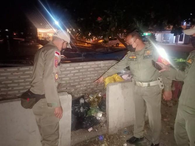 Kebersihan Dermaga Bom Kalianda Dikontrol Satpol PP