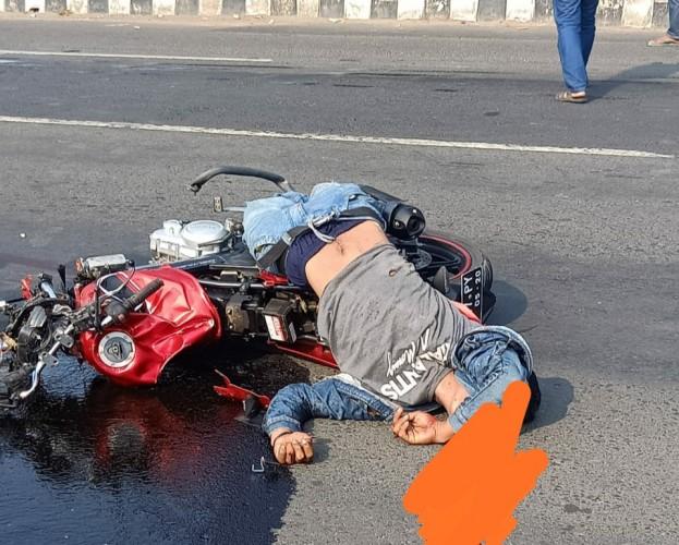 Kecelakaan Maut Motor Vs Pikap, Dua Orang Tewas di Tempat