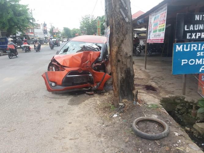 Kecelakaan Tabrak Pohon, Pensiunan Guru SMAN 1 Bandar Lampung Tewas