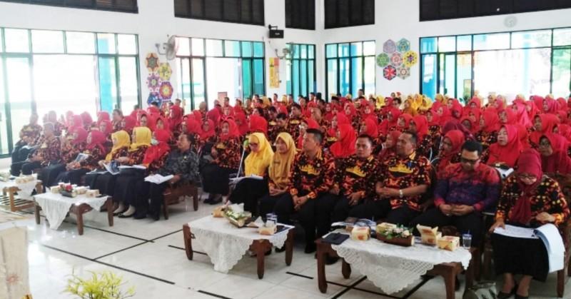 Kepala Sekolah Se-Bandar Lampung Diajak Melek Hukum