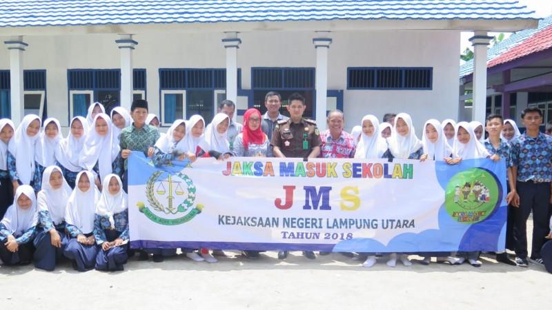 Kejari Lampung Utara Gelar Penyuluhan Hukum ke Sekolah