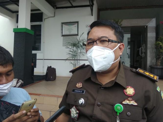 Kejati Tahan Pejabat Lamsel Tersangka Korupsi Pajak Minerba