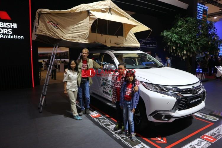 Keluarga ini Lakukan Perjalanan Keliling Dunia dengan Pajero Sport