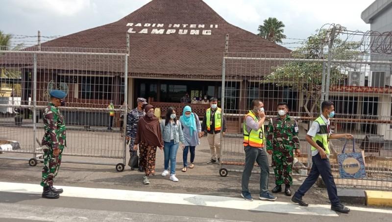 Keluarga Kapten KRI Nanggala-402 Terbang ke Surabaya