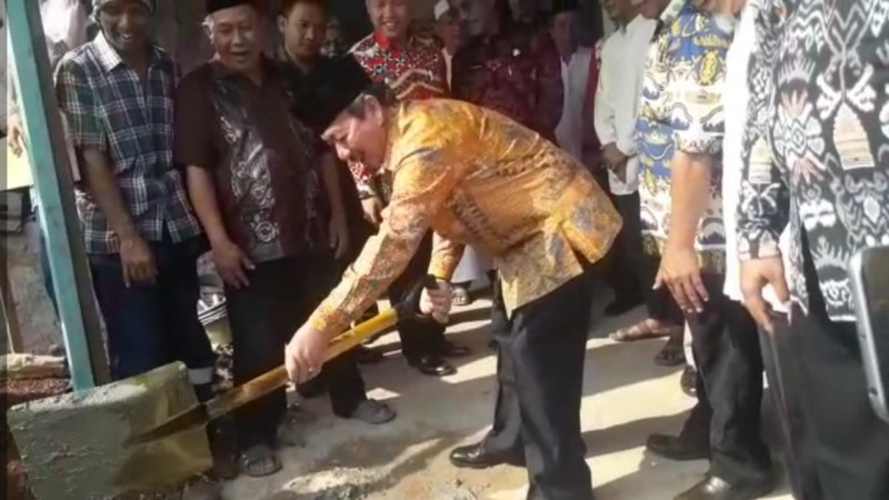 Kelurahan Kedamaian Miliki Masjid Ornamen Lampung Bantuan Pemkot