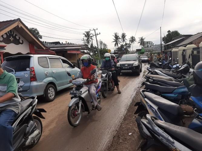 Kemacetan Ringan di Lokasi Banjir di Sukaraja