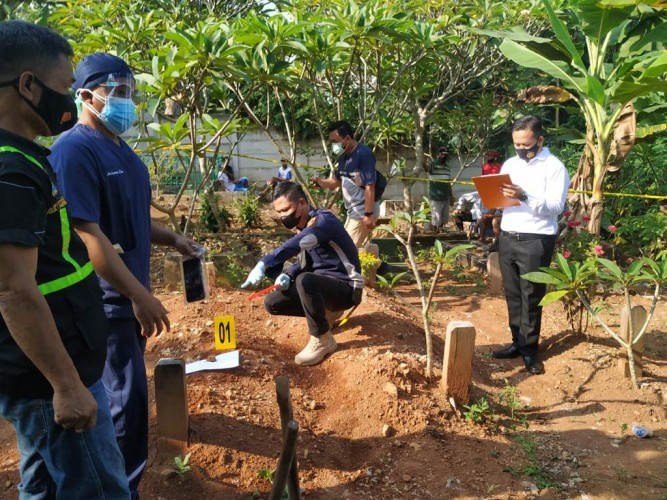 Kematian Dinilai Janggal, Makam Dibongkar Usai Dikuburkan Enam Bulan